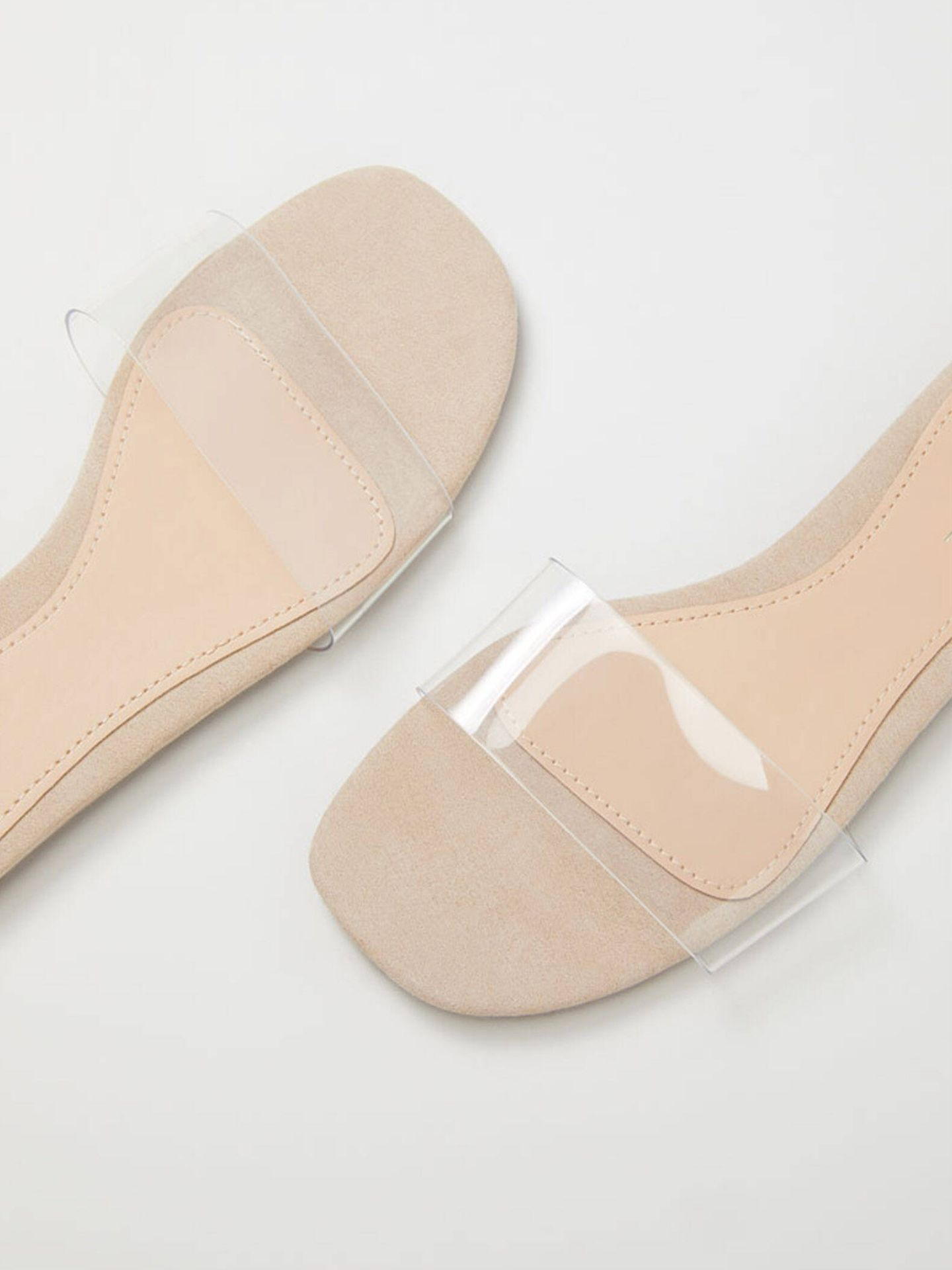 Sandalias low cost y estilosas de Lefties. (Cortesía)