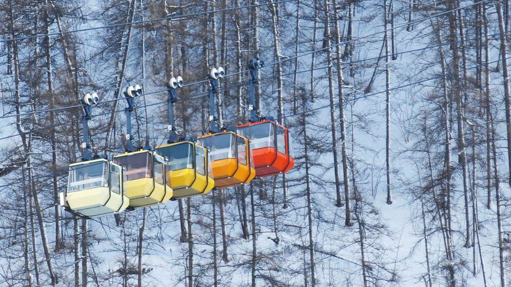 Foto: Telesilla de una pista de esquí francesa. (EFE)