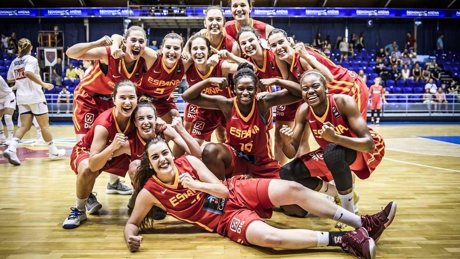 Foto: En la imagen, el equipo que ganó este verano el oro en el Campeonato de Europa sub-20. (FEB)
