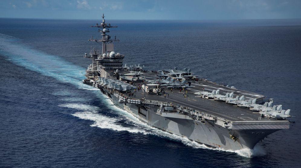 Foto: El USS 'Carl Vinson' transita por el Mar de Filipinas. (Reuters)