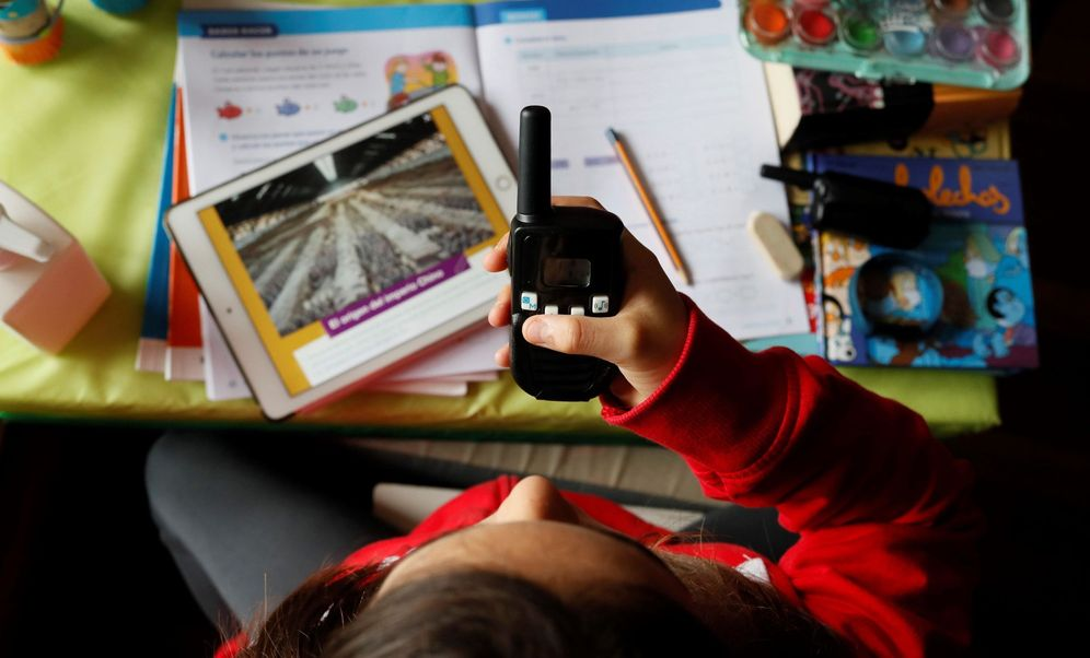 Foto: Guía para la vuelta al colegio: los cuatro escenarios que se plantea Madrid. (EFE)