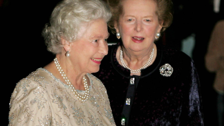 La reina Isabel, en el 80 cumpleaños de Margaret Thatcher. (Reuters)