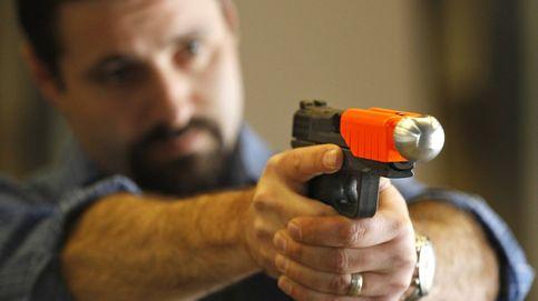 El sueño de la tecnología policial: el arma que derriba criminales (sin matarlos)