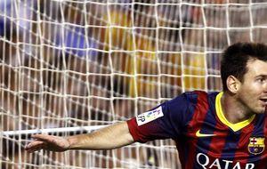 Leo Messi, con un 'hat-trick', le gana la partida a Hélder Postiga