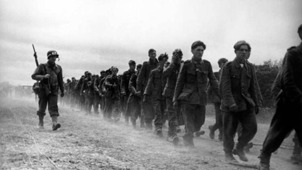 Foto: La famosa imagen de Robert Capa tras el Desembarco de Normandía. (Robert Capa)