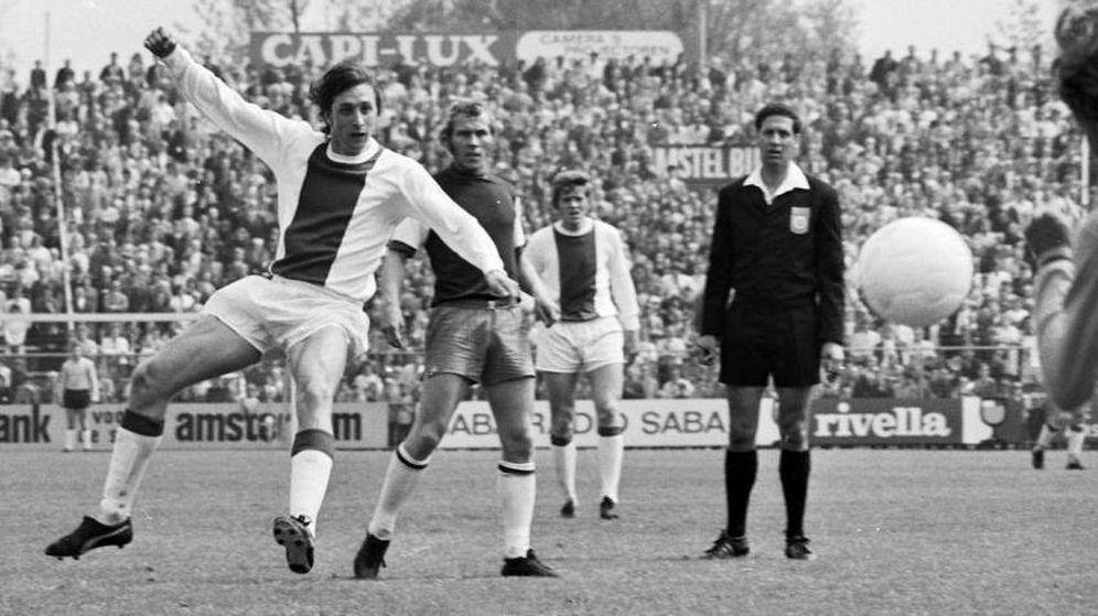 Foto: Imagen de Cruyff en un partido con el Ajax en mayo de 1971. (Fotógrafo desconocido - Anefo/Nationaal Archief)