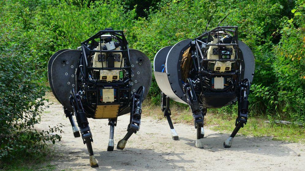Foto: Dos robots diseñados por DARPA.
