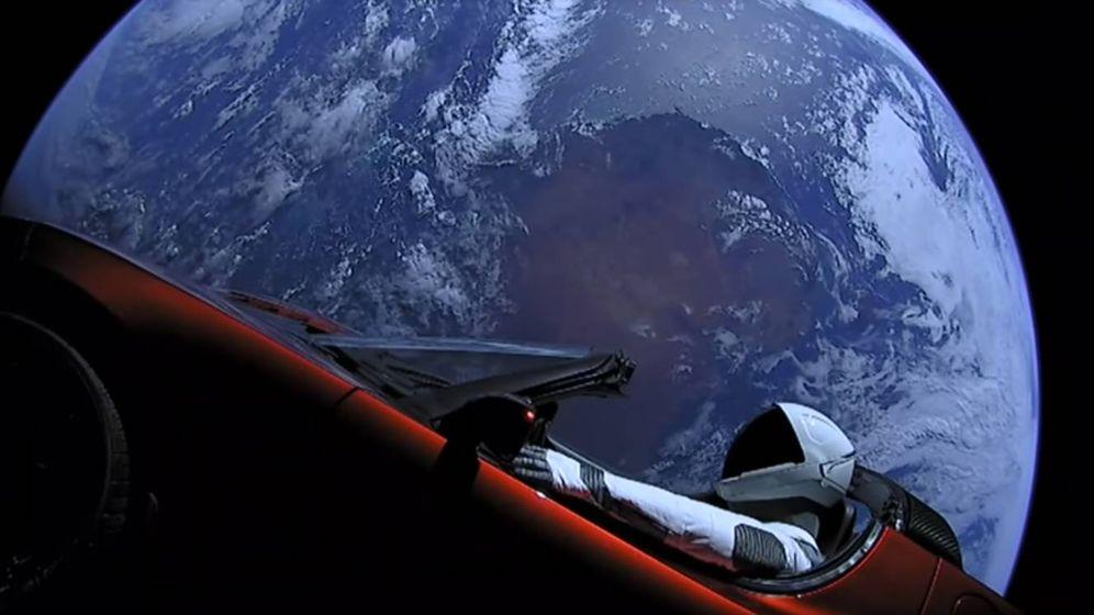 Foto: 'Starman' con su Tesla Roadster orbitando