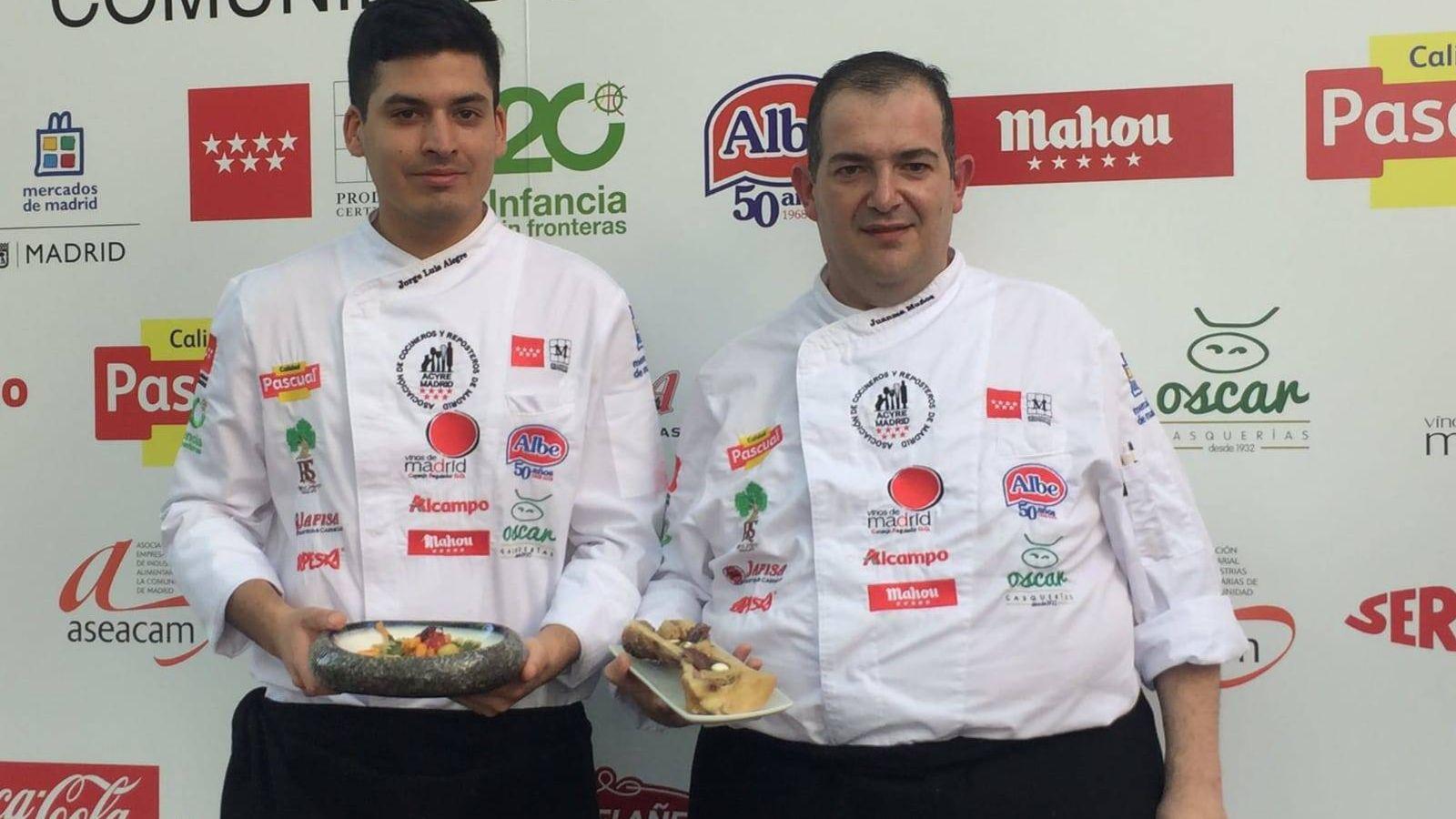 Foto: Los mejores cocineros: Juan Manuel Muñoz (a la derecha), con su compañero Jorge Luis Alegre.