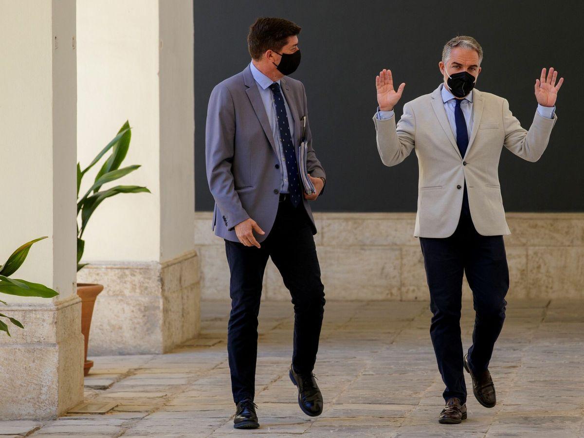 Foto: El vicepresidente de la Junta, Juan Marín (i), y el consejero de la Presidencia y portavoz del Ejecutivo, Elías Bendodo. (EFE)