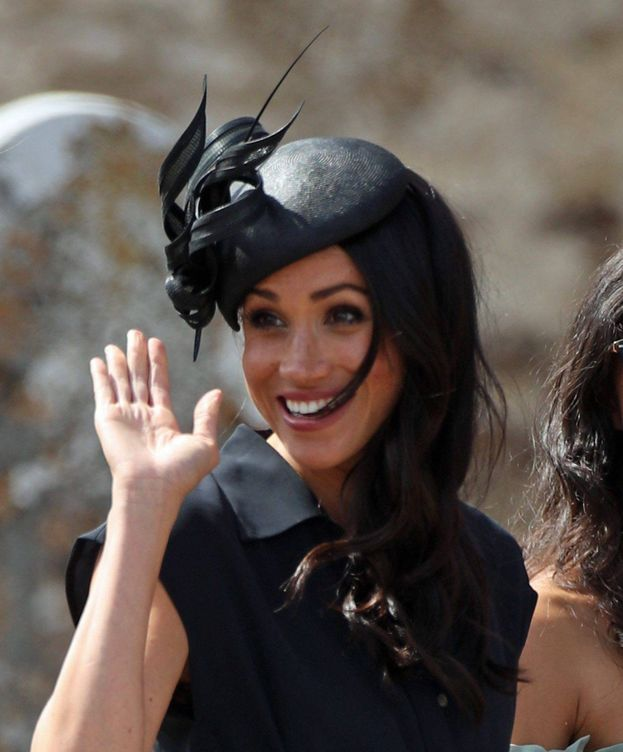 Foto: Meghan Markle, saluda a la prensa. (Cordon Press)