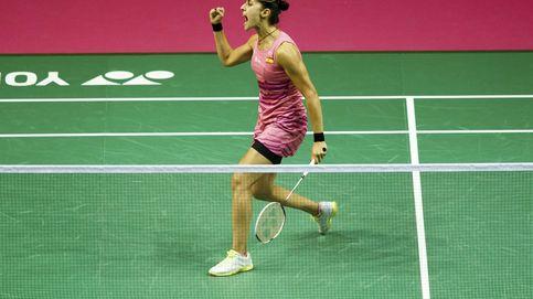Carolina Marín arrasa a Mia Blichfeldt y pasa a cuartos de final