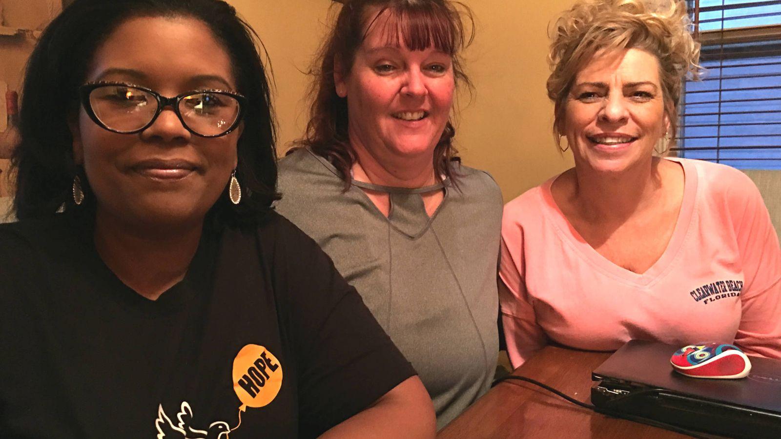 Foto: Tara, Tina y Lisa, las 'Hope Dealers'. (C. Pérez Cruz)