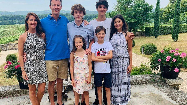 Alexandra Manley, con sus hijos y la familia del príncipe Joaquín. (Casa Real danesa)