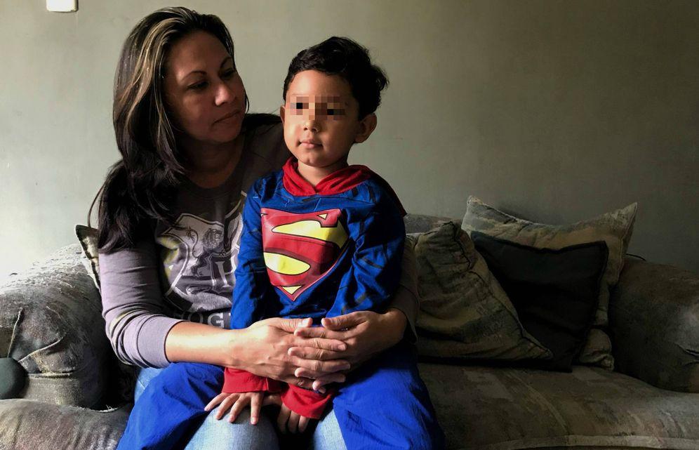 Foto: Zabdiel y su madre, Ani Camacho. (Alicia Hernández)