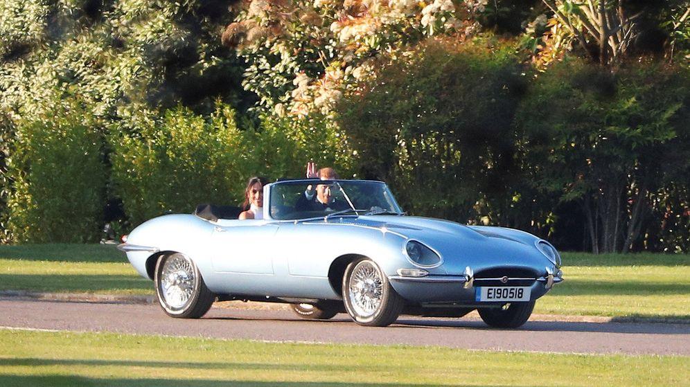 Foto:  Meghan y Harry saliendo de Windsor en un Jaguar