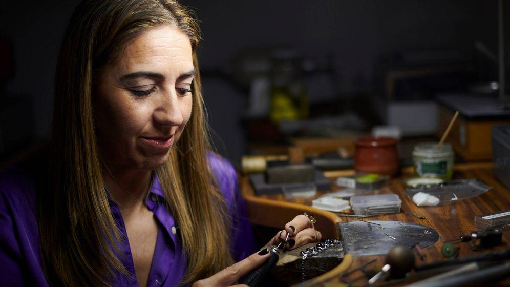 Foto: Lisi Fracchia, en su taller de Gran Vía. (José Gegúndez para Limited Pictures)