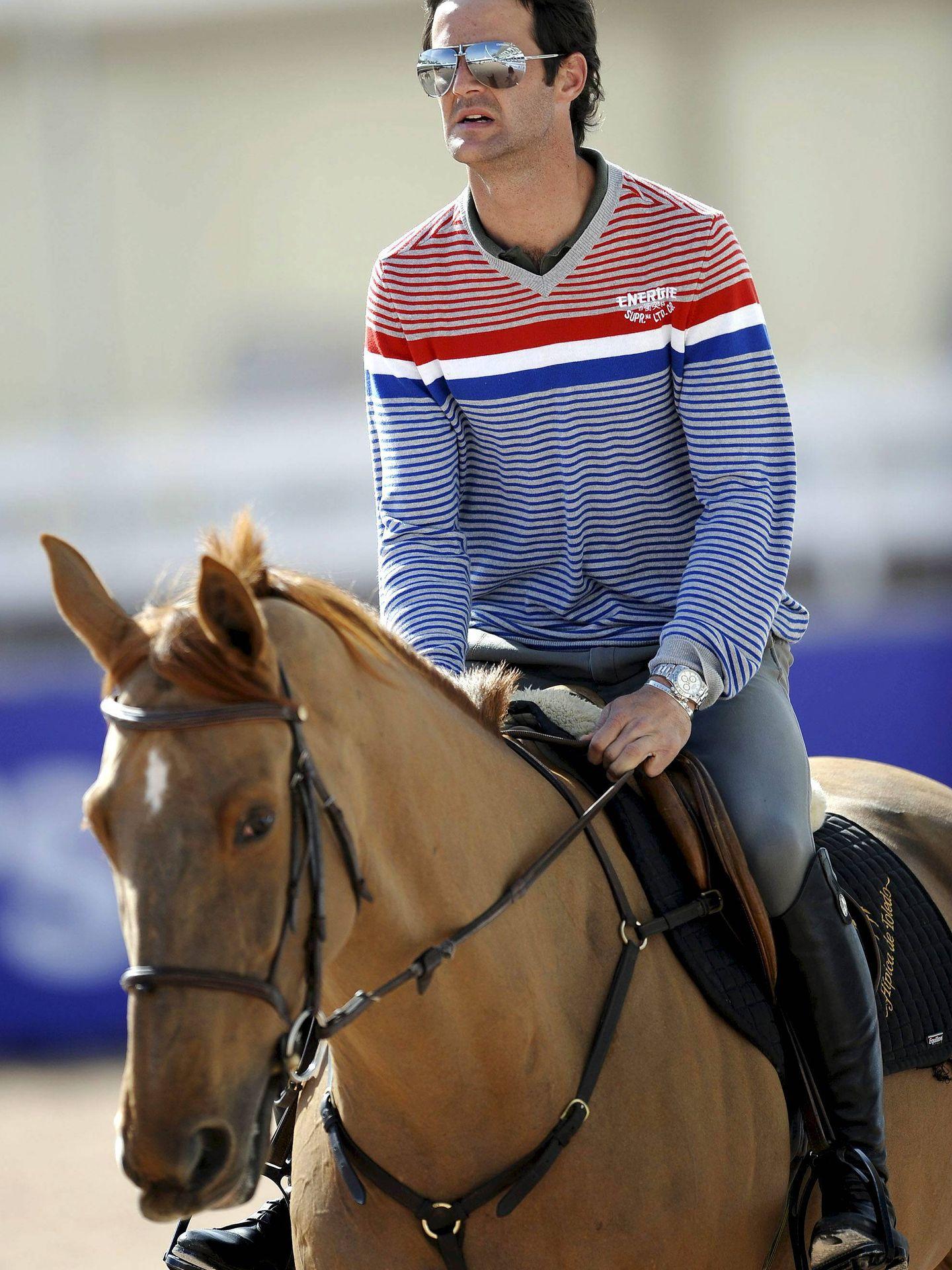 José Bono, hijo del expresidente del Congreso, cabalga durante el entrenamiento. (EFE)