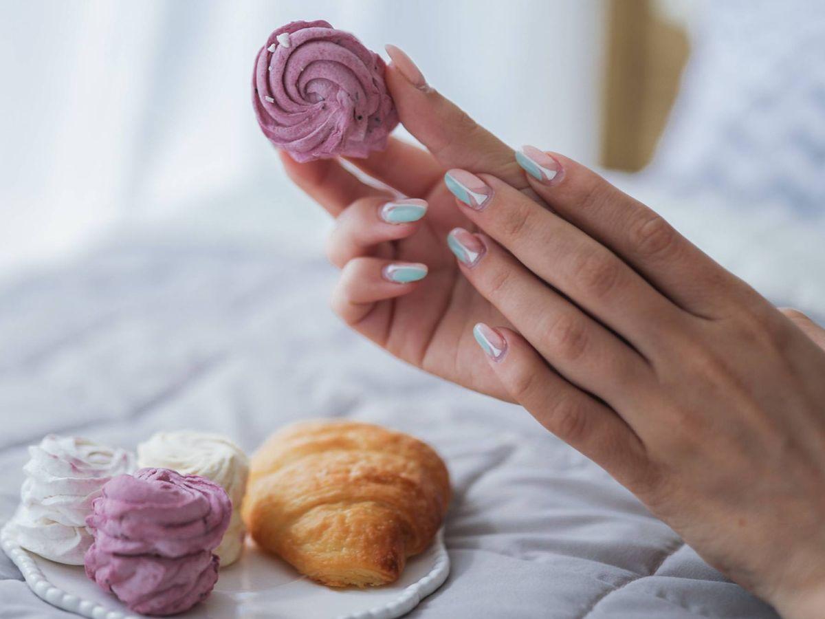 Foto: Seguimos atentas a las nuevas propuestas de uñas. (Asiya Kiev para Unsplash)