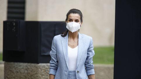 Letizia, qué bien te sienta el working look: la Reina y su nuevo traje de Adolfo Domínguez