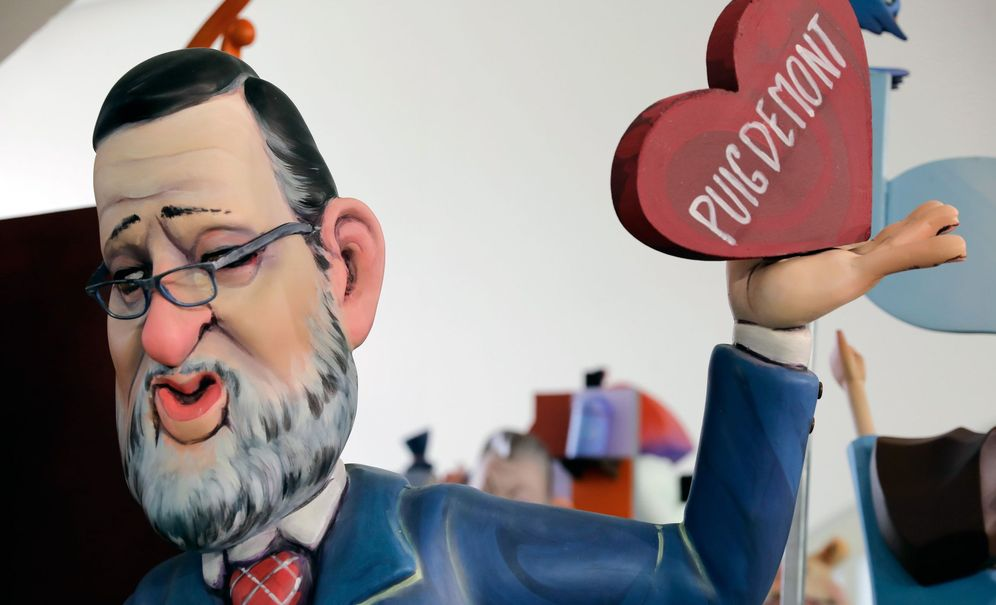 Foto: Representación del presidente del Gobierno, Mariano Rajoy, en la exposición del Ninot en el Museo de las Ciencias de Valencia. (EFE)