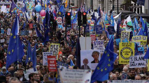 La marcha en imágenes: miles de personas exigen un nuevo referéndum