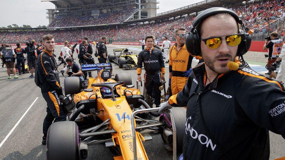 Foto: La estrategia de McLaren acabó con la carrera del asturiano. (EFE)