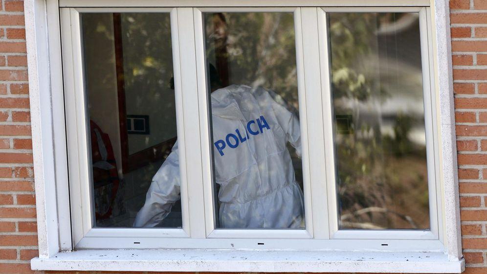 Foto: La Policía registra las casas usadas por el pederasta (EFE)