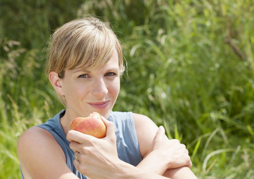 Foto: Aunque pensemos lo contrario, comemos menos frutas de las que deberíamos. (Corbis)