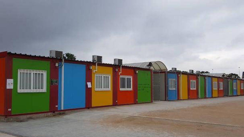 Foto: Barracones coloreados del colegio de primaria Cremona de Alaquàs (Valencia).