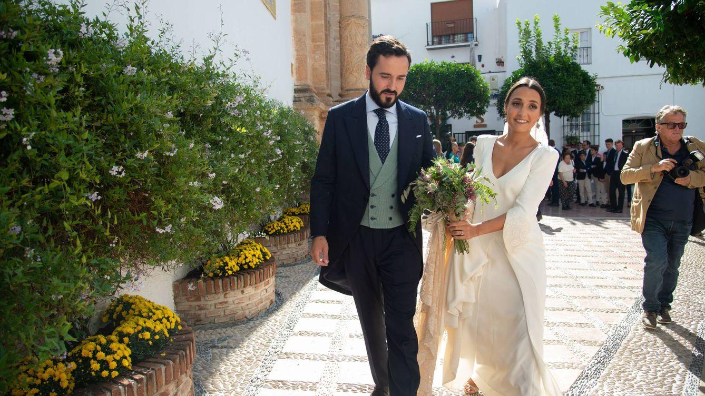 Sin orquesta ni resopón: así fue la boda de Ángel Acebes Jr con la plana mayor del PP