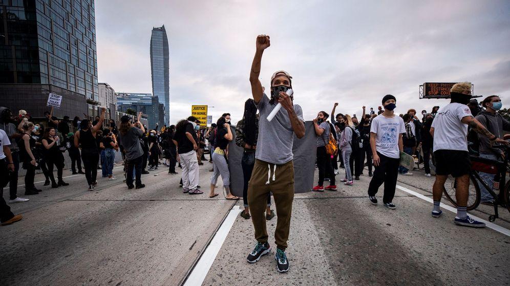 Foto: Disturbios raciales en Los Ángeles tras la muerte de George Floyd. (EFE)