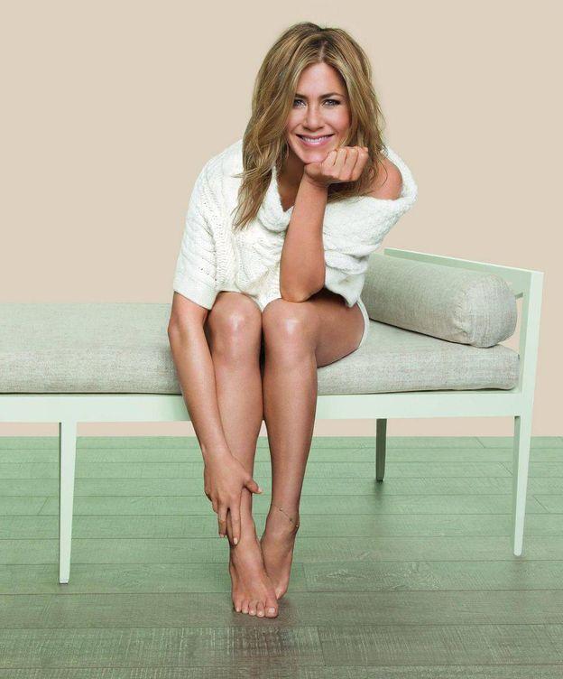 Foto: De Jennifer Aniston dijeron que estaba embarazada... cuando solo era barriga. (Imagen: Aveeno)