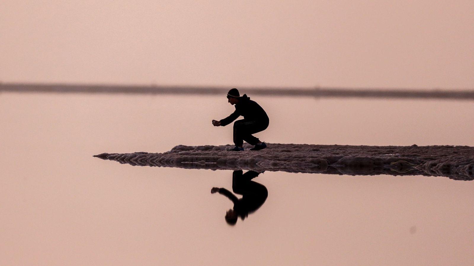 Foto: El Mar Muerto ha sido siempre un lugar que ha atraído la atención de los científicos (EFE/Atef Safadi)