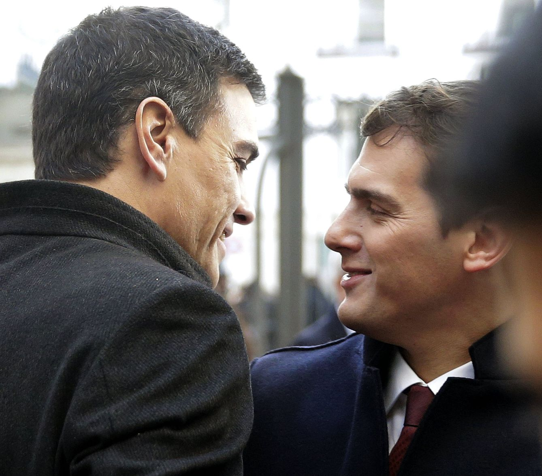 Pedro Sánchez y Albert Rivera, el Día de la Constitución, el pasado 6 de diciembre. (EFE)