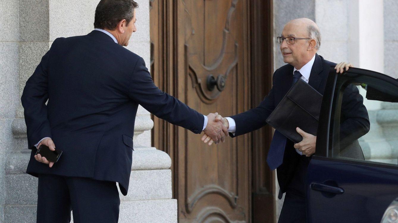 El exministro Cristóbal Montoro, nuevo consejero de un foro que preside Zapatero
