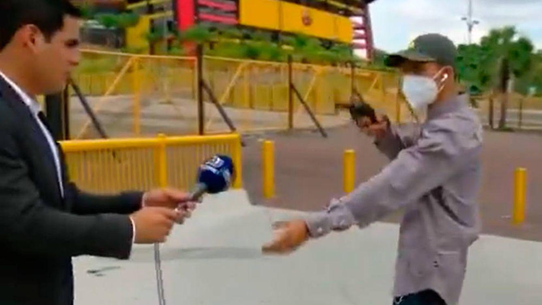 Atracan a un periodista a punta de pistola cuando hacía un directo en Ecuador
