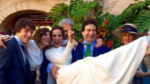 La boda de Cayetano Rivera y Eva González según sus amigos en las redes sociales