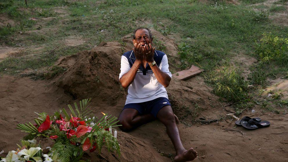 Negombo, el corazón cristiano de Sri Lanka, entierra a sus víctimas