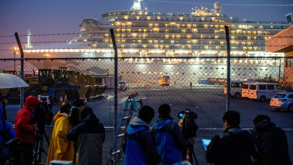 Foto: Vista del Diamond Princess. (EFE)