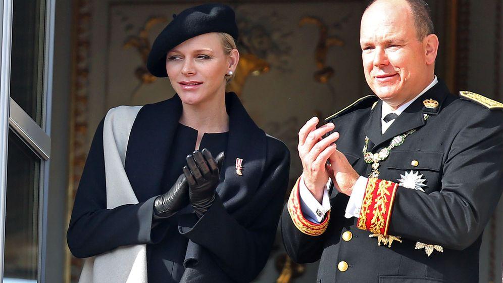 Foto: El príncipe Alberto, junto a su esposa Charlene en el Día Nacional de Mónaco (Gtres)