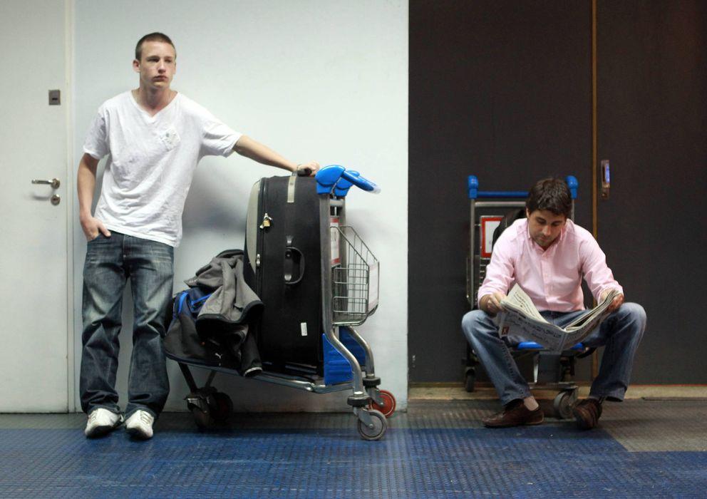 Foto: Muchos de los jóvenes que abandonaron el país durante 2013 eran profesionales cualificados. (EFE)