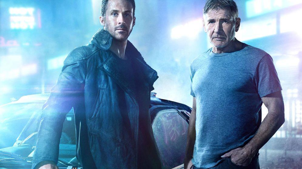 Foto: Ryan Gosling y Harrison Ford en una imagen promocional de 'Blade Runner 2049'
