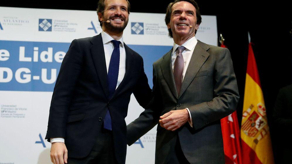 Foto: El presidente del PP, Pablo Casado (i), y el expresidente del Gobierno, José María Aznar. (EFE)