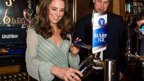 ¿Te acuerdas de este brillante vestido de Kate Middleton? Pues tiene clon y está en Asos