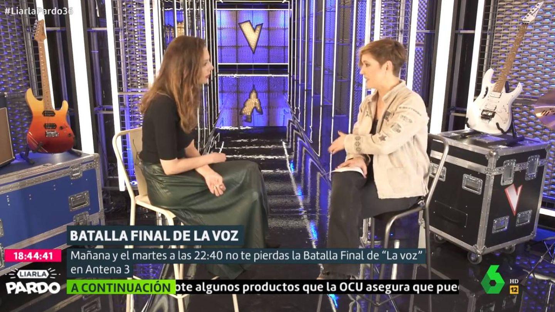 Eva González con Cristina Pardo, en 'Liarla Pardo'. (La Sexta)