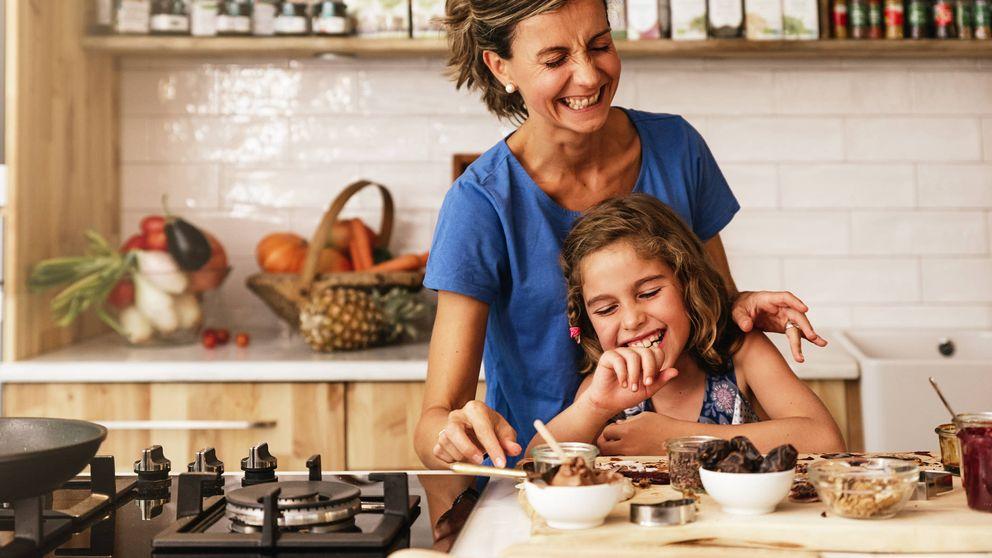 Esto es lo que ocurre cuando enseñas a los niños a cocinar