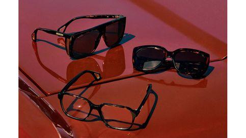 Gucci vuelve a los 90 en su última colección de gafas