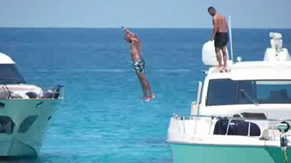 Karim Benzema disfruta de Ibiza en alta mar