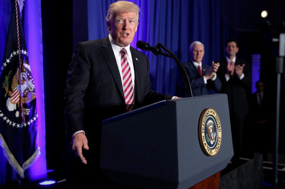 Foto: Donald Trump, antes de su intervención durante una reunión de congresistas republicanos en Filadelfia, el 26 de enero de 2016. (Reuters)
